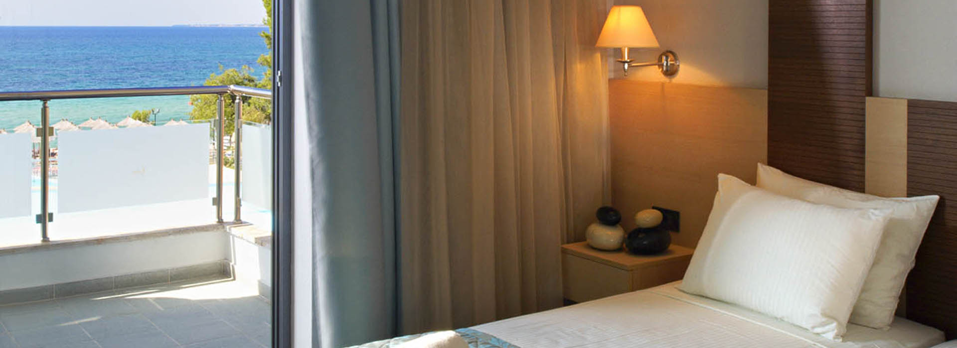Rooms__Suites_1_copy